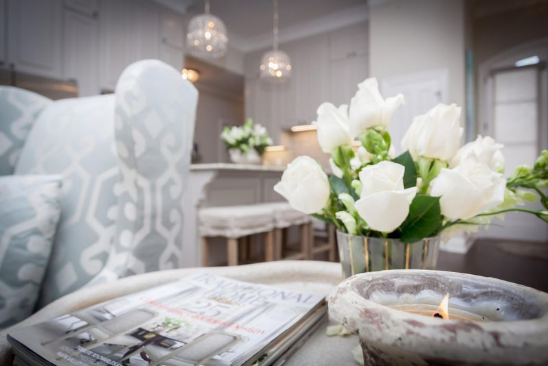 White flowers in a Baton Rouge model home