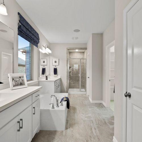 Plan 1521 Primary Bathroom Representative Image