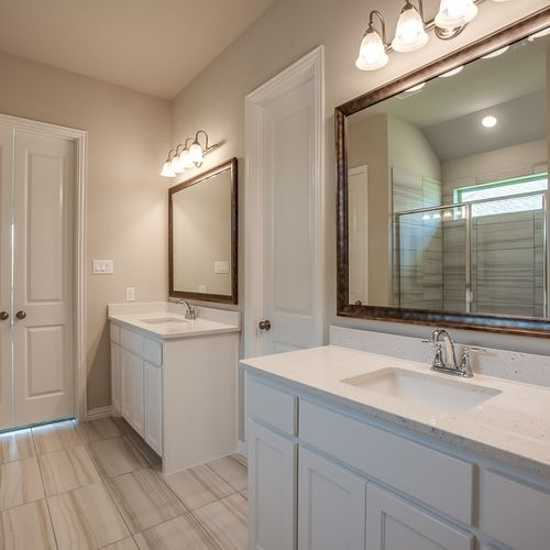 Plan 1683 Primary Bathroom Representative Image