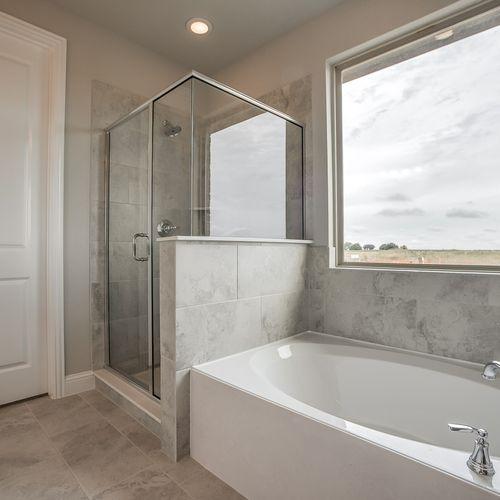 Plan 1510 Primary Bathroom Representative Image