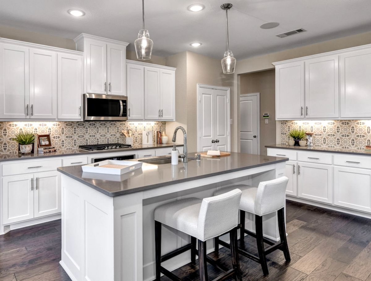 How to choose the perfect kitchen backsplash in your American Legend home