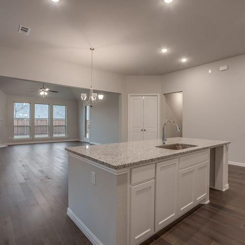 Plan 1682 Kitchen/Family Room Representative Image