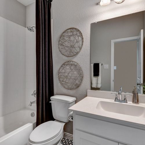 Plan 1523 Secondary Bathroom Representative Image