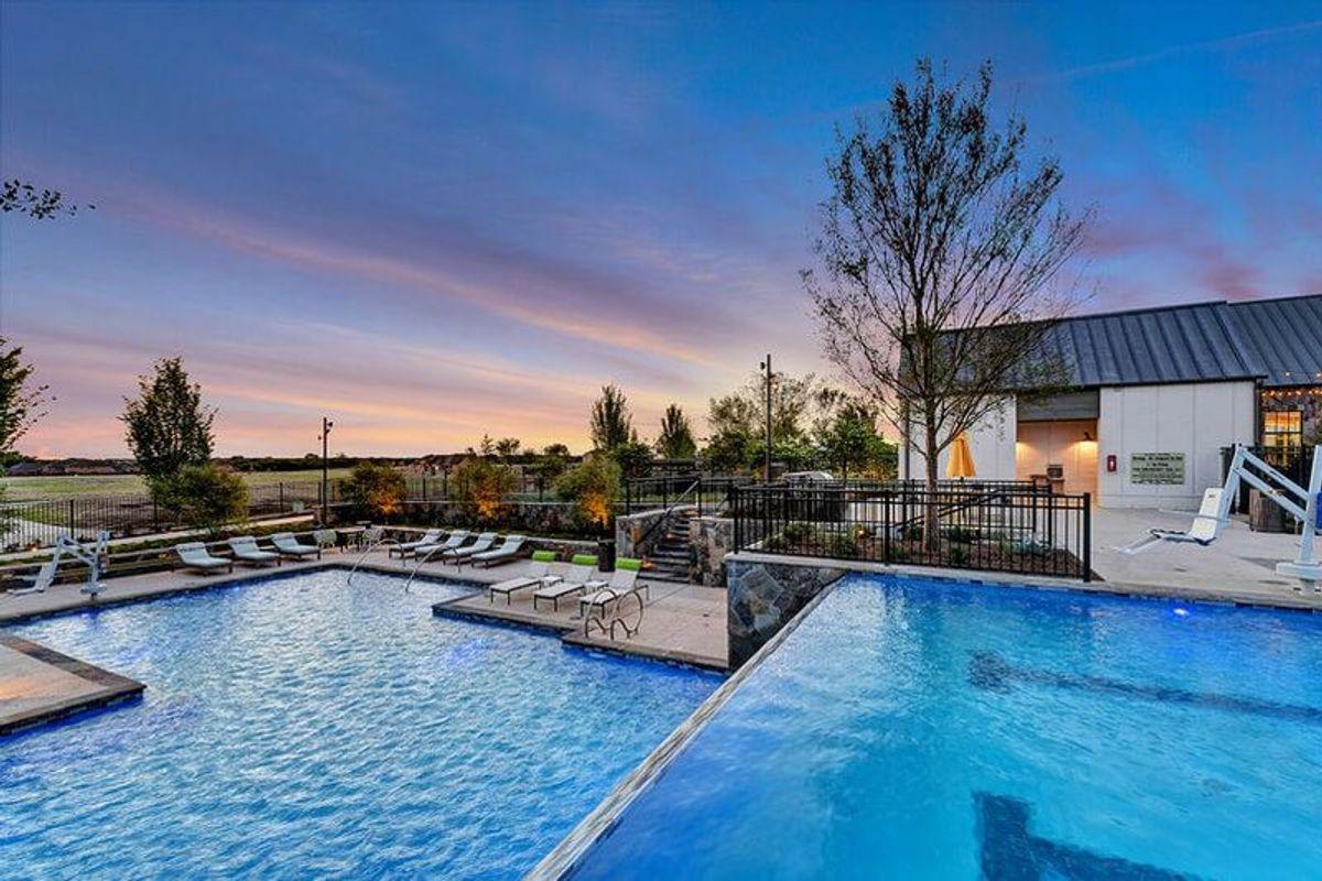 Great summer pools in American Legend communities