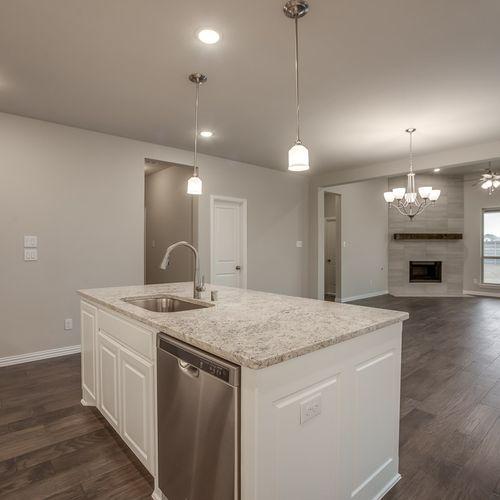Plan 1522 Kitchen/Family Room Representative Image