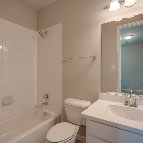 Plan 1683 Secondary Bathroom Representative Image