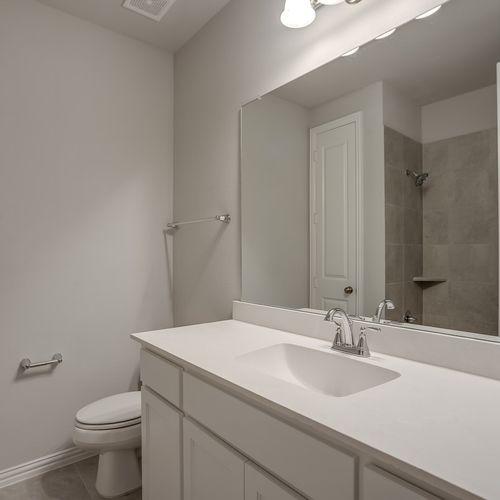 Plan 1682 Secondary Bathroom Representative Image