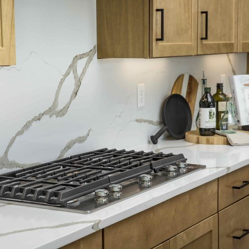 Plan C652 Stovetop Photo by American Legend Homes