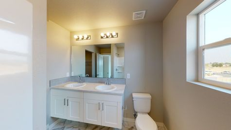 Silvercliff 812 - Master Bathroom - View 2