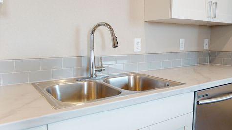 Silvercliff 812 - Kitchen Sink Detail View