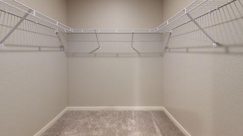 2921 Shady Oaks Dr. - Del Norte 501 - Walk-In Closet
