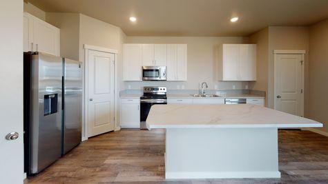 Silvercliff 812 - Kitchen - View 2