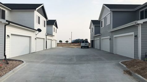 Silvercliff 812A - Driveway - Example