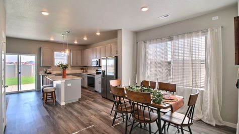 Weston 505A - Kitchen & Dining - Example 1