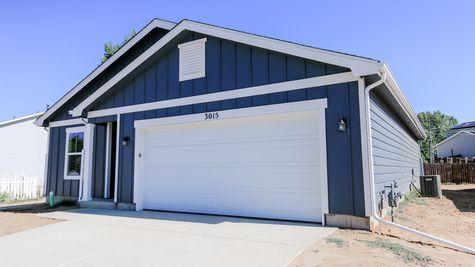 Del Norte 501A - Farmhouse Elevation - Example