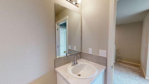 Silvercliff 812 - Main Bathroom Vanity