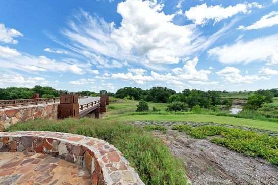 Spotlight on Belclaire Homes at Canyon Falls