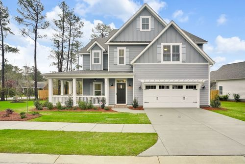 Modern farmhouse-style new home in Wilmington NC