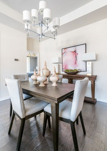 Canterbury model home dining area pendant light