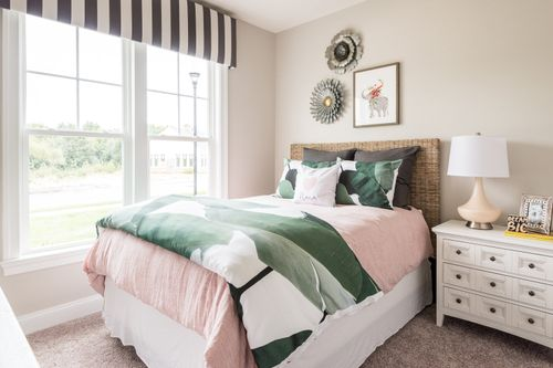 model home guest bedroom