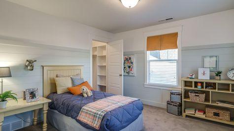 033 Bedroom
