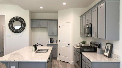 Trenton III B - Kitchen - DSLD Homes