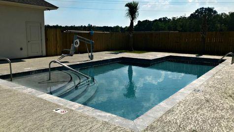 Community Pool - Silver Oaks - DSLD Homes Prairieville
