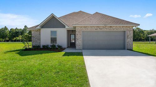Pelican Bay Model Home Exterior - New Orleans area- Marrero Louisiana- DSLD Homes