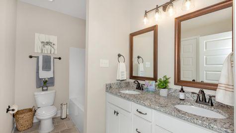 Parkside - Colebrook II A - DSLD Homes - Meridianville, AL - Model Home Hall Bathroom