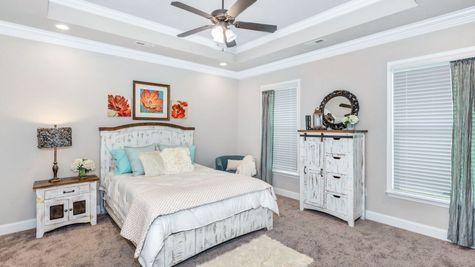 Collinswood II G - Floor Plan - Master suite