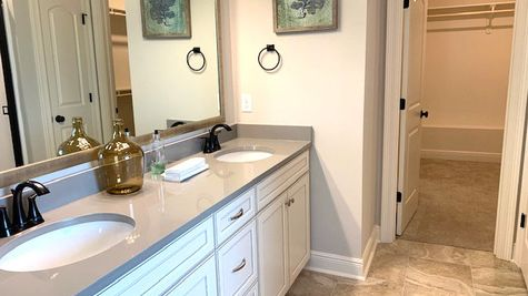 Model Home Master Bathroom - DSLD Homes in Lake Charles - The Cove at Morganfield