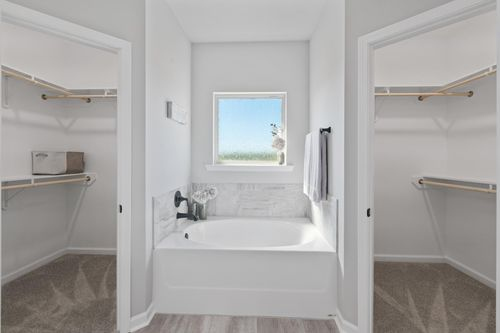 Acadian Meadows - Model Home Master Bathroom - Ripley IV G - Lafayette, LA