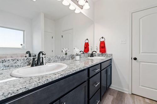 Graham Heights - Model Home Master Bathroom - Troy III G - Lafayette, LA