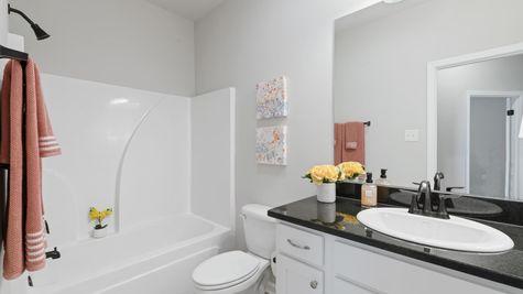 Acadian Meadows Model Bath - DSLD Homes - Lafayette, LA