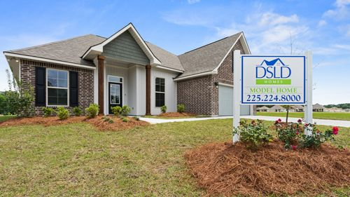 Lakeside Terrace Model Home - Prairieville - DSLD Homes