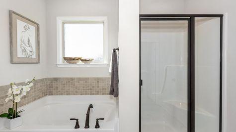 Parkside - Colebrook II A- DSLD Homes - Meridianville, AL - Model Home Master Bathroom