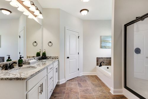 Ashton Parc - Model Home Master Bathroom - DSLD Homes - Cognac IV B - Slidell, LA