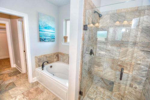 Turtle Creek - Model Home Master Bathroom - DSLD Homes - Claudet II A - Benton, LA