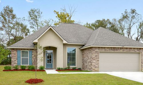 Woodland Manor - Model Home Exterior - DSLD Homes - Reims IV C - Gonzales, LA