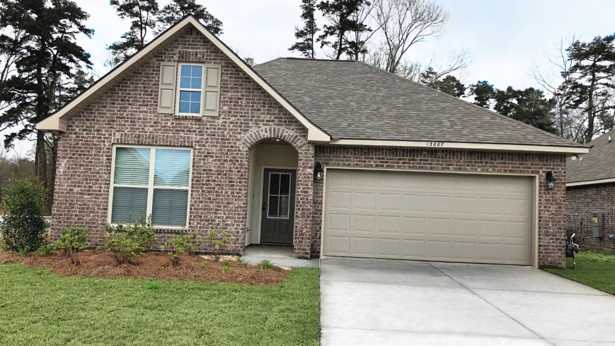 Front View (Yate II A) - Arbor Walk Community - DSLD Homes - Denham Springs, LA