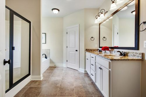 Brentwood - Model Home Master Bathroom - DSLD Homes - Camellia IV A - Marrero, LA