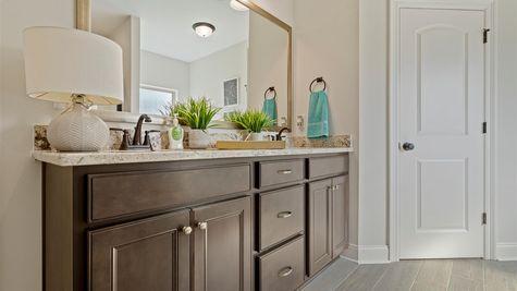 Grand Oaks Estates - DSLD Homes - Model Home Master Bathroom - Gulfport, Mississippi