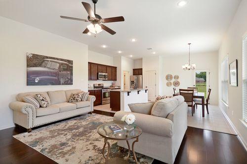 Meadow Oaks - Model Home Living Room - DSLD Homes - Banbury III A - St. Gabriel, LA