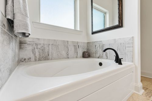 Sugar Ridge - Model Home Master Bathroom - DSLD Homes - Fuschia II A - Youngsville, LA