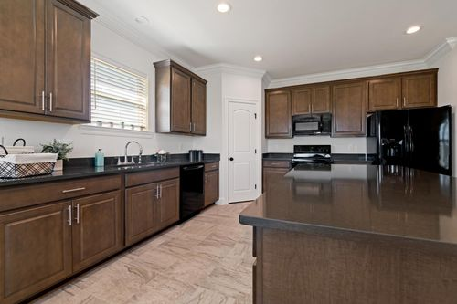 Porter's Cove - Model Home Kitchen - Cognac IV B - Lake Charles, LA