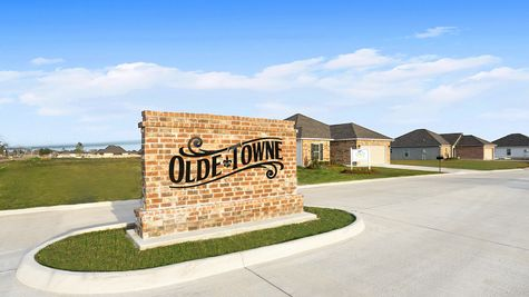 Olde Towne Community Entrance Monument - Olde Towne Community - DSLD Homes Thibodaux