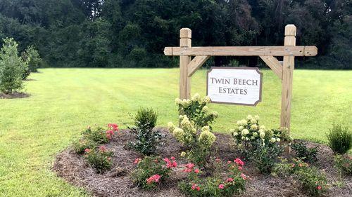 Entrance sign - Twin Beech Estates - Fairhope, AL
