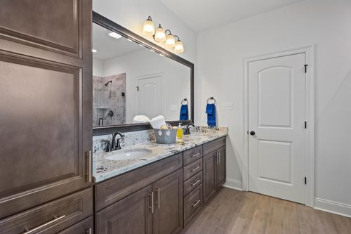Cypress Park - Model Home Master Bathroom - Claudet II A - Belle Chasse, LA