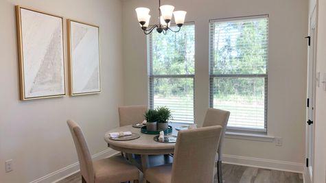 Trenton III B - Dining Room - DSLD Homes