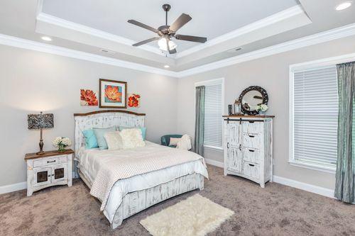 Meadow Crest - Model Home Master Bedroom - Collinswood II G - Hazel Green, AL - DSLD Homes